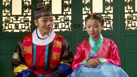 Watch The Moon Embracing The Sun - Episode 5 with Subtitles | VIU India